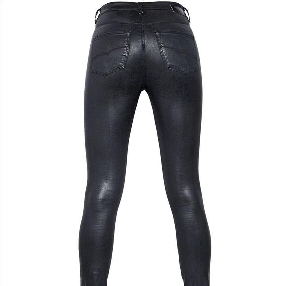 Diesel Denim - Sexy black Skinzee Jeans by Diesel